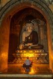 Statue de Bouddha de style birman dans Bagan Image libre de droits