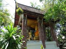 Statue de Buddga dans le monastère bouddhiste dans Luang Prabang, Laos Photos libres de droits