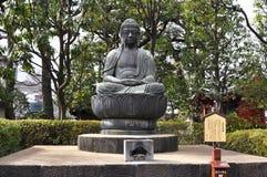 Statue de Buddist au temple de Sensoji à Tokyo images stock