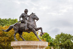 Statue de cavalier de cheval au centre de Skopje Images libres de droits