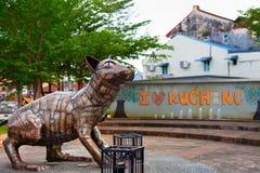 Statue de chat dans la ville de Kuching photographie stock libre de droits