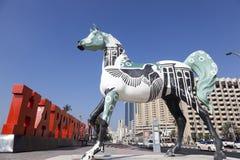 Statue de cheval par Dubai Creek Image libre de droits