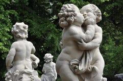 Statue de Childs au palais de Zwinger à Dresde Images libres de droits