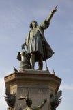 Statue de Christopher Columbus dans des deux points de plaza santo de domingo La république dominicaine Image libre de droits