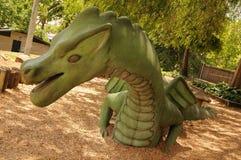 Statue de cour de jeu de dragon Image libre de droits