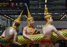 Statue de Dieu à l'intérieur d'aéroport de Suvarnabhumi Photo libre de droits