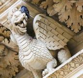 Statue de dragon à l'église baroque de Santa Croce dans Lecce photographie stock