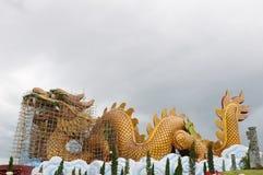 Statue de dragons de temple chinois Photo stock