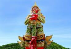 Statue de gardien de démon dans le temple de la Thaïlande Photos libres de droits