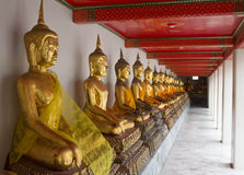 Statue de Hai Buddha Golden Statue Buddha en Thaïlande Photo stock