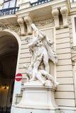 Statue de Hercule massacrant l'hydre 1893 sur Hofburg, Vienne, photo libre de droits