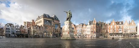 Statue de Jacob van Artevelde dans la place de Vrijdagmarkt, Gand, Belgique photo libre de droits
