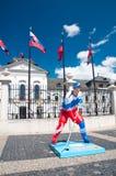 Statue de joueur d'hockey à Bratislava, Slovaquie Image libre de droits