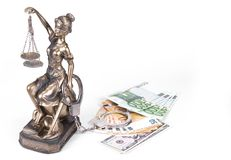 Statue de juge Themis sur le fond blanc Photographie stock libre de droits