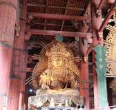 Statue de Kokuzo Bosatsu, Dieu de Wisdomin dans le bâtiment principal ou l'église bouddhiste photo libre de droits