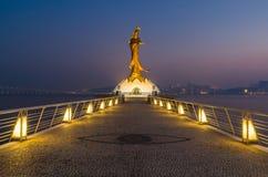 Statue de kun je suis point de repère de porcelaine de Macao Image libre de droits
