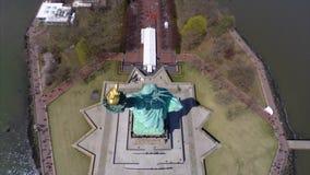 Statue de la liberté visuelle aérienne banque de vidéos