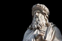 Statue de Leonardo Da Vinci sur le fond noir photos libres de droits