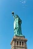Statue de Liberty Against Blue Sky à Manhattan Photographie stock