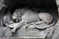 Statue de lion de luzerne Photos libres de droits