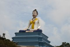 Statue de Lok Yeay Mao sur la plate-forme photos stock