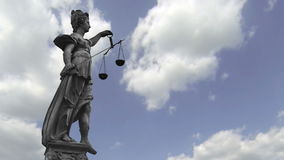 Statue de Madame Justice banque de vidéos
