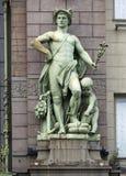 Statue de Mercury dans l'avant du centre commercial d'Eliseyev, St Petersbourg photos libres de droits