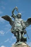 Statue de Michael de saint sur le `Angelo de Castel Sant Image stock