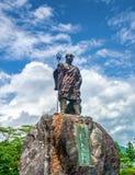 Statue de moine Shodo Shonin devant le temple de Rinnoji avec le fond de ciel nuageux, Nikko, Tochigi, Japon Images libres de droits