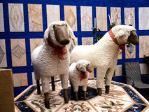 Statue de moutons dans le jardin tropical chez Monte au-dessus de Funchal Madère Image libre de droits