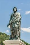 Statue de Mozart sur le grand dos de Mozart (Mozartplatz) à Salzbourg, Austri Images libres de droits