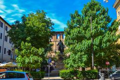 Statue de Nicola Spedalieri en parc à Rome, Italie image stock