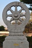 Statue de pierre de roue de Thammajak dans le temple de Wat Pra Sri Mahatatu à Bangkok Thaïlande Photo libre de droits