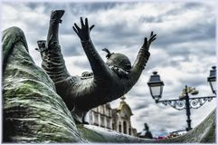 Statue de poupée de vol d'Opsinjoorke dans Mechelen, Belgique Photo stock