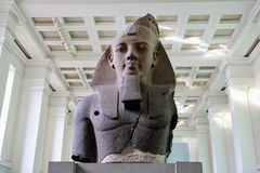 Statue de Ramesses II images libres de droits