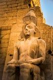 Statue de Ramses II chez le temple de Louxor image stock