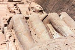 Statue de Ramses II en site Egypte d'Abu Simbel Unesco World Heritage photographie stock