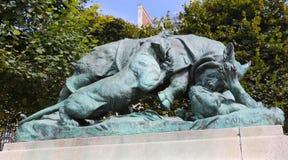 Statue de rhinocéros - Paris Photographie stock libre de droits