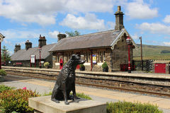 Statue de Ruswarp, banc à dossier de station de Garsdale Images stock