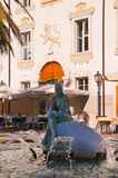 Statue de sirène en Riva del Garda photos libres de droits