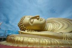 Statue de sommeil Bouddha image stock