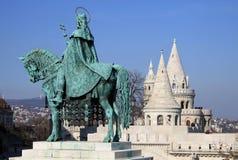 Statue de St Matthias près de la bastion du pêcheur, Budapest, Hongrie Image libre de droits
