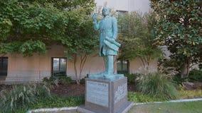 Statue de Stanley Draper à Ville d'Oklahoma banque de vidéos