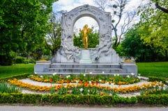 Statue de Strauss dans Stadtpark à Vienne, Autriche image stock