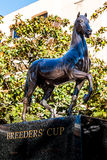 Statue de tasse du ` s d'éleveur chez Del Mar Racetrack Photographie stock libre de droits