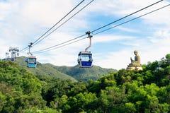 Statue de Tian Tan Buddha au cinglement de Ngong, île de Lantau, en Hong Kong images stock
