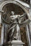 Statue de Veronica de saint à l'intérieur de saint Peter. image libre de droits