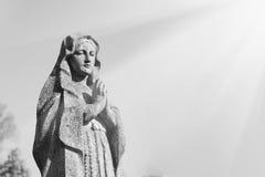 Statue de Vierge Marie comme symbole de religion d'amour et de gentillesse Photographie stock libre de droits