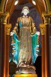 Statue de Vierge Marie dans l'église Photos libres de droits