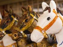 Statue dei cavalli in una fila Fotografia Stock